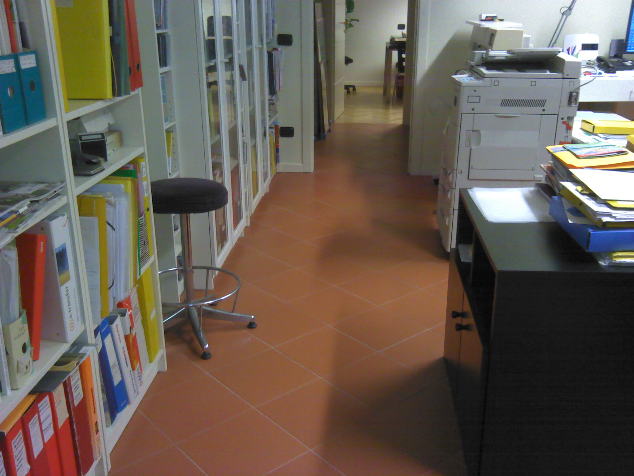 Immagine al visibile della stessa porzione di pavimento
